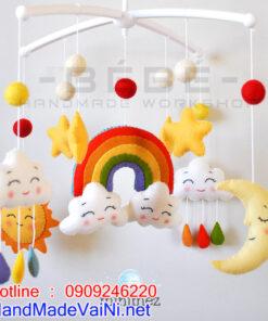 Đồ chơi treo nôi cũi handmade gồm có : mặt trời, cầu vồng, đám mây, ngôi sao, gọt nước...v..v..