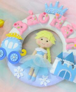 Quà tặng sinh nhật cho bé gái sn0030 Nữ hoàng Băng Giá Frozen gồm có : Tên của bé, vương miệng, xe , lâu dài...v..v..